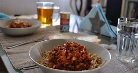 Spagetti och soyafärssås