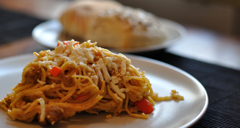Pastagratäng med smak av curry