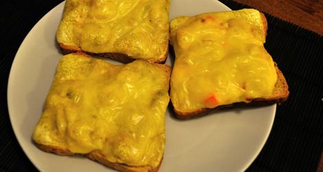Varma mackor med smältande ost!