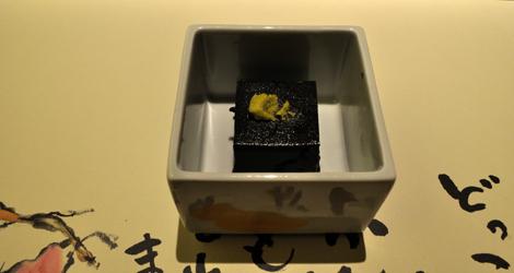 Tofu med svart sesam och wasabi
