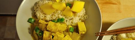 Tofugryta med curry och mango
